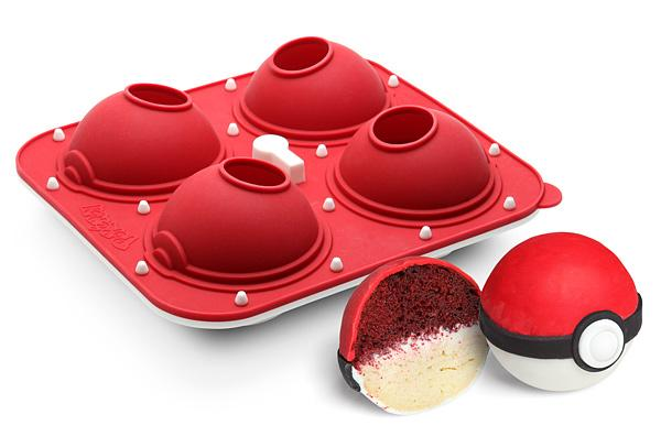Pokémon: Poké Ball Cupcake Pan